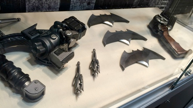 bvs-comiccon-BatProps