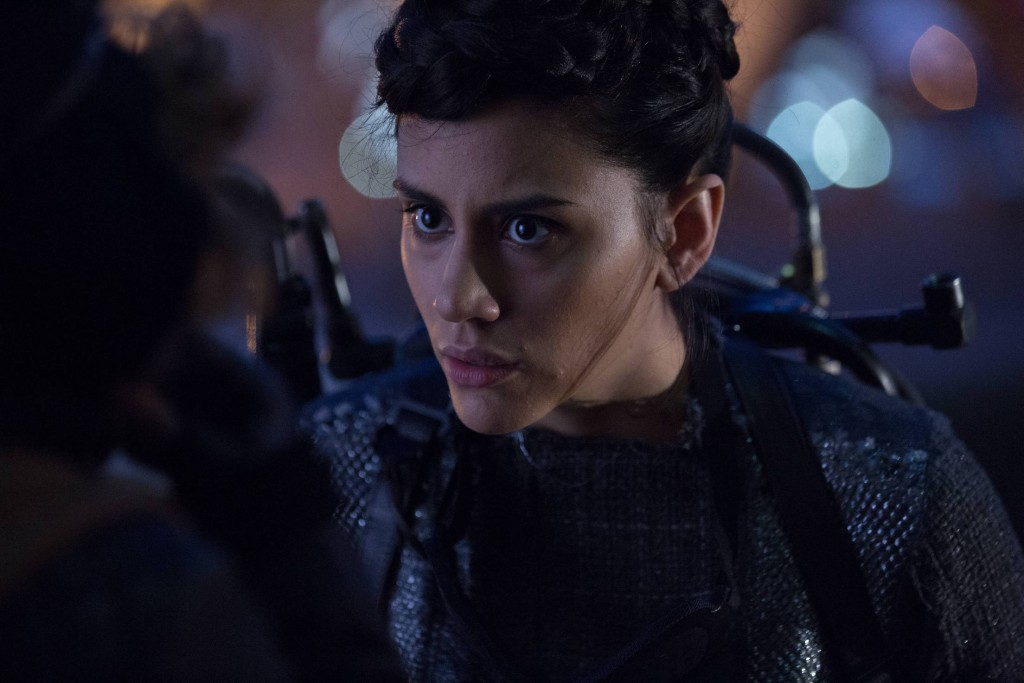 GOTHAM: L-R: Guest stat Bridget Pike (Firefly) in the ÒRise of the Villains: By FireÓ episode of GOTHAM airing Monday, Oct. 26 (8:00-9:00 PM ET/PT) on FOX. ©2015 Fox Broadcasting Co. Cr: Jessica Miglio/ FOX.